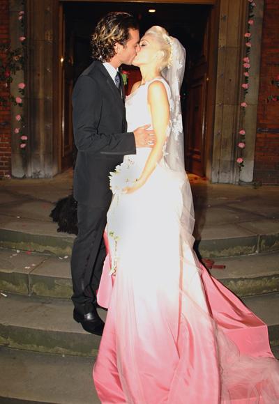 gwen stefani wedding dress dior. Gwen Stefani. Christian Dior