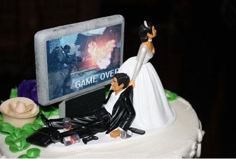 Awesome wedding cake toppers prisonbreakfreak video gamer junglespirit Gallery